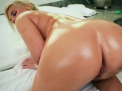 Blondie Katy Jayne Gets A Massage And Fingering