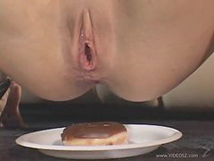 Anal Loving Kelly Wells Plays With A Fat Cock