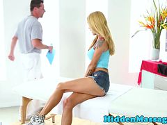 Babe pussyfucked by masseur