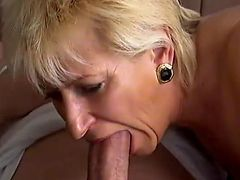 Hot Divorced Mature Having Sex With Her New Neighbor